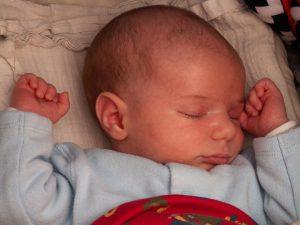 על מה כדאי להקפיד בנושא שינה של תינוקות וילדים בחופשה?